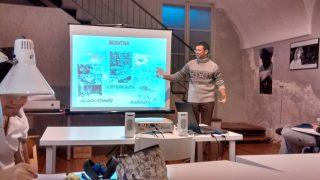 Marco Madoglio explaining Argentinian comics.